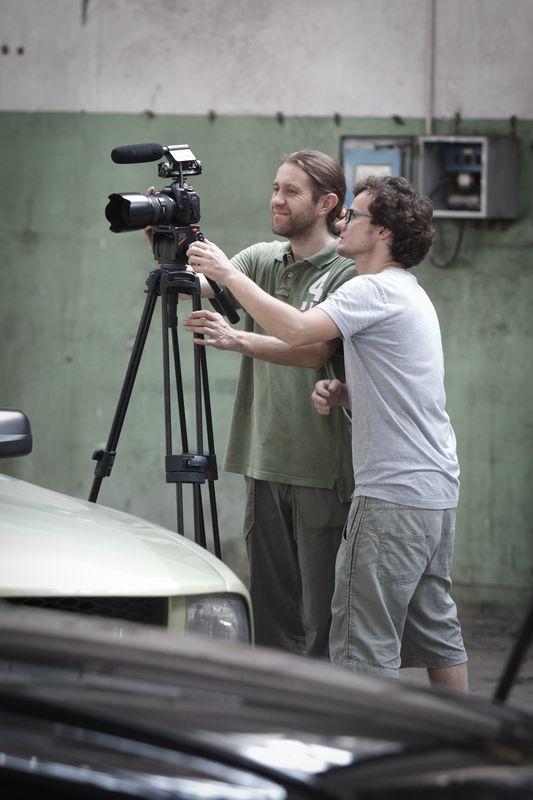Grzesiek Serej i Marcin Bielawski na planie filmu MR2012