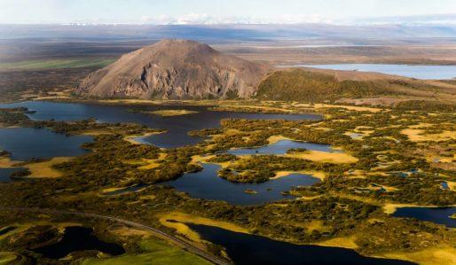 Amazing-North-Lake-Myvatn-1024x596