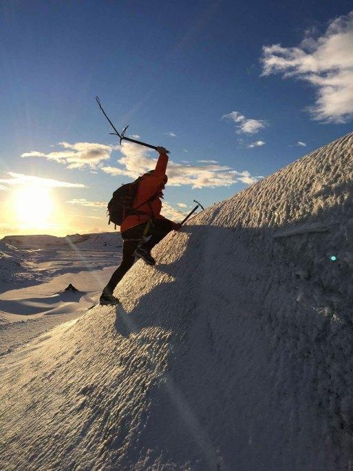 glacier-expedition-on-solheimajokull-5