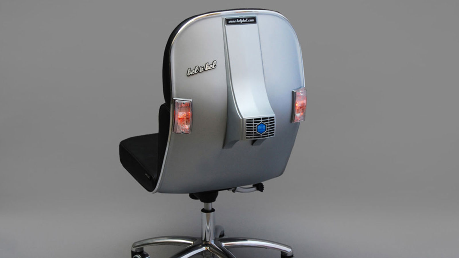 VINTAGE VESPA SCOOTERS CHAIRS