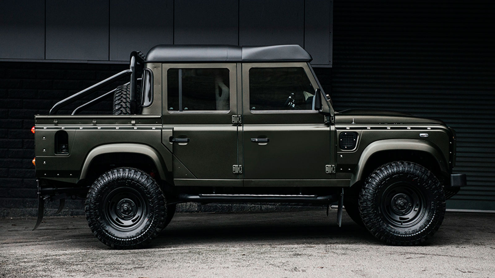 LAND ROVER DEFENDER 2.2 TDCI XS 110 BY PROJECT KHAHN