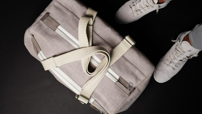 6 OF THE BEST GYM DUFFLE BAGS FOR MEN