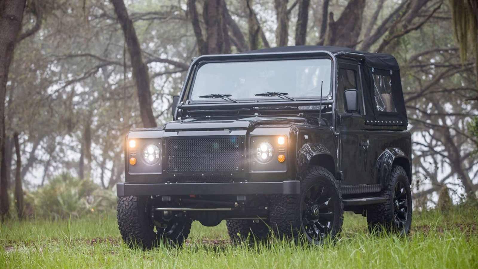 ECD LAND ROVER DEFENDER 90 HONEY BADGER