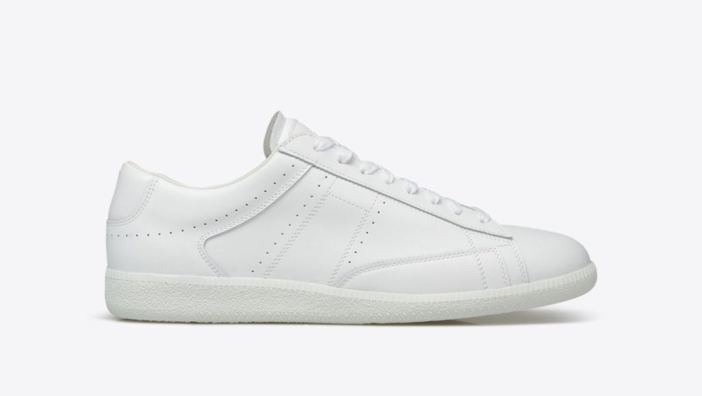 White Sneakers: Men's Spring Fashion
