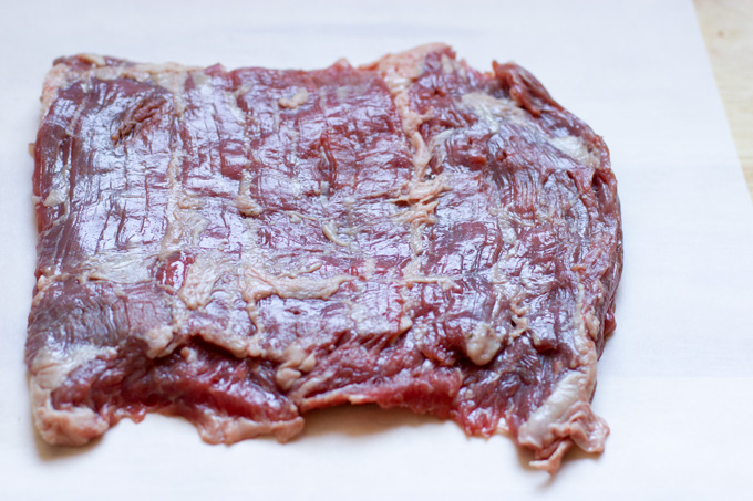 Skirt steak showing meat grain