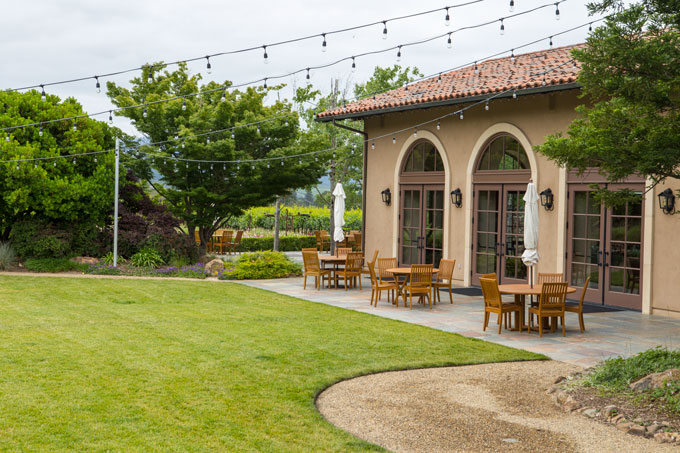 Northern California St. Francis winery tasting and dining building