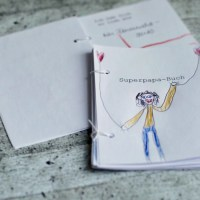 Ratzfatz-Bastelei zum Vatertag: ein selbst gestaltetes Superpapa-Buch