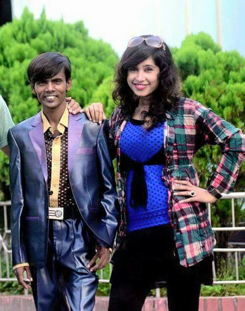 Hero Alom With Girl Fan