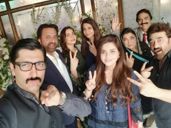 The star cast of Khudgarz with Yasir Nawaz [Director], Sana Shahnawaz [Producer] and Samina Humayun Saeed [Producer]