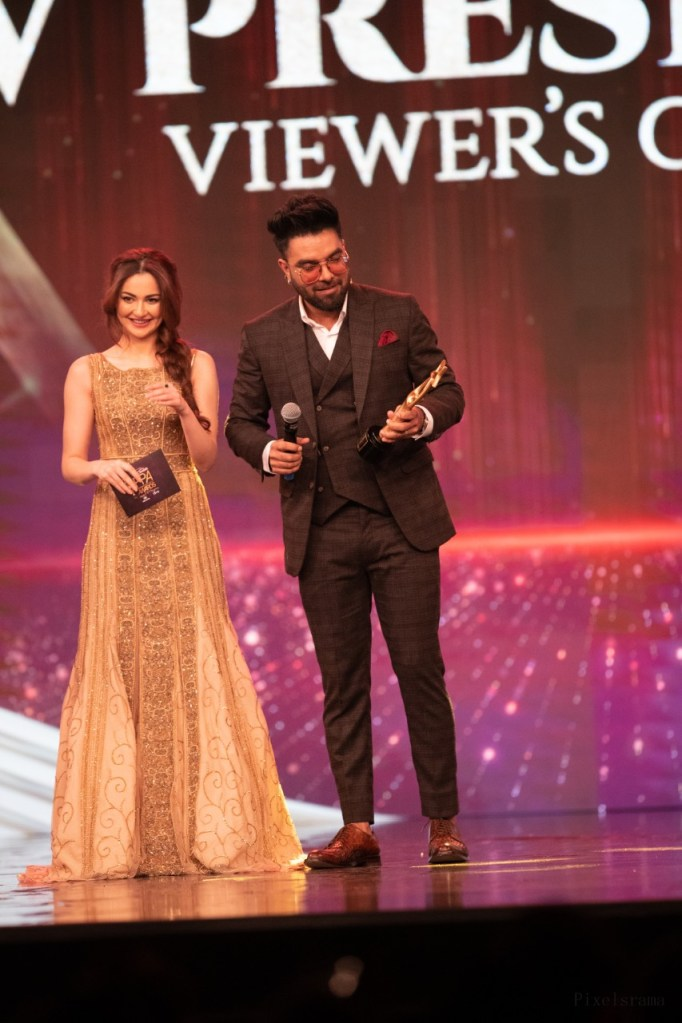 Best TV Presenter - Yasir Hussain