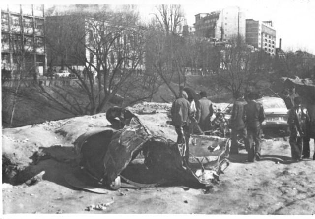 """""""Autoturisme distruse de daramaturi, in urma cutremurului. Bucuresti 7 martie 1977"""""""