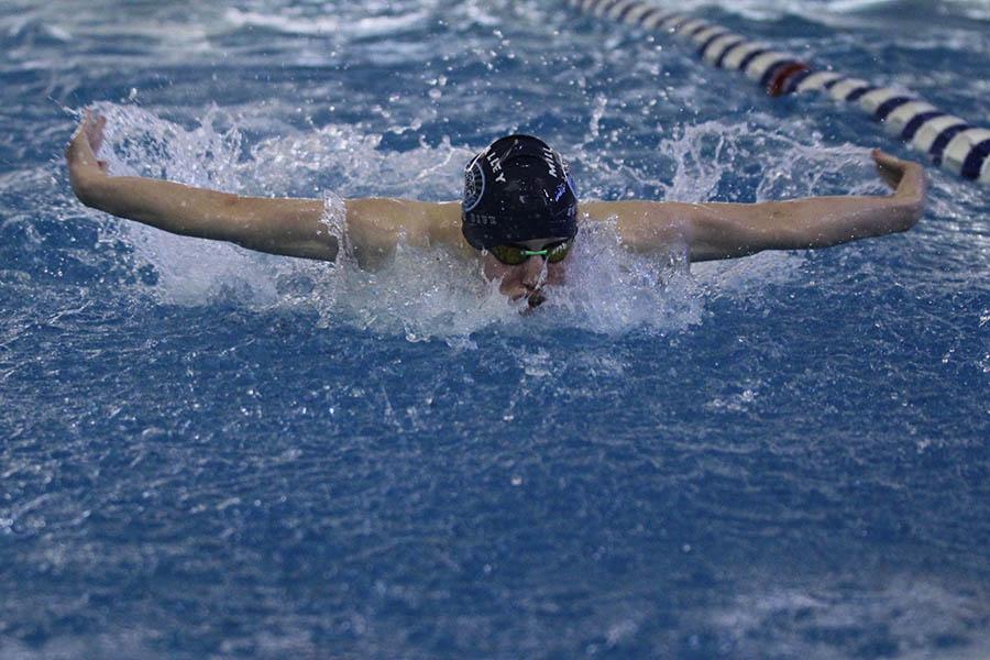 Boys swim places ninth at state meet