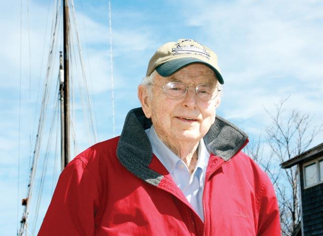 Tom Hale Artful Shipyard Owner Dead At 87 The Marthas