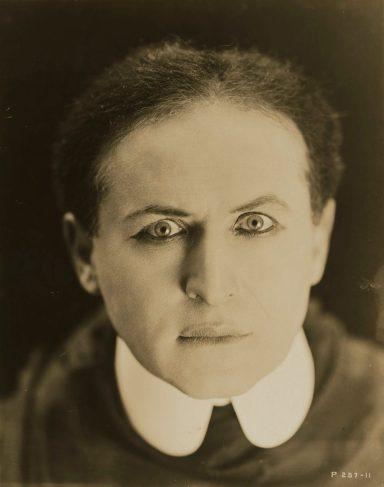 Houdini publicity photo