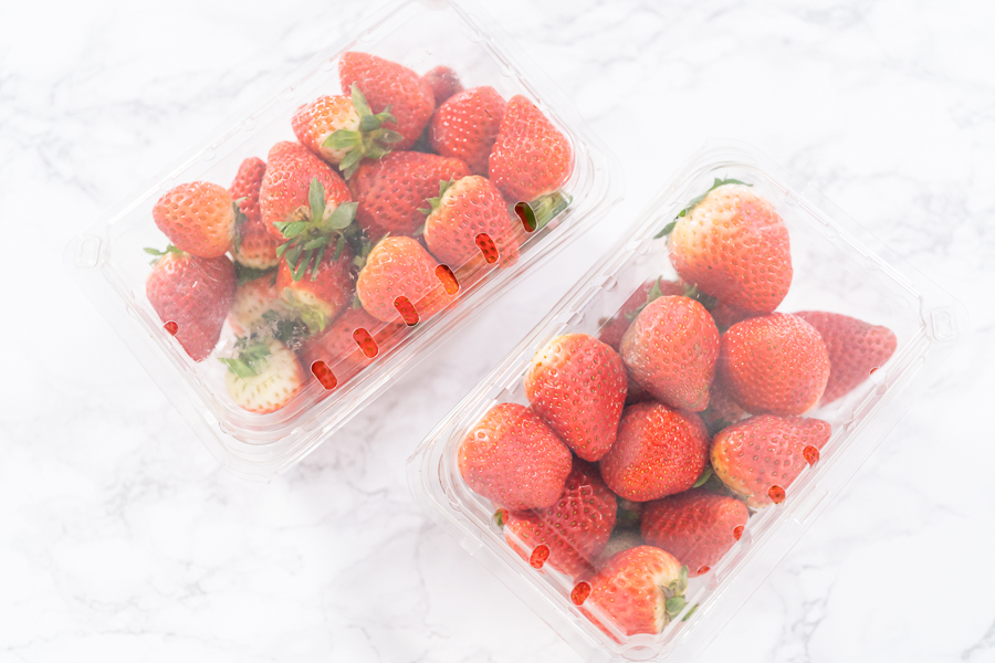 How to keep strawberries fresh with Ball fruit-fresh produce protector