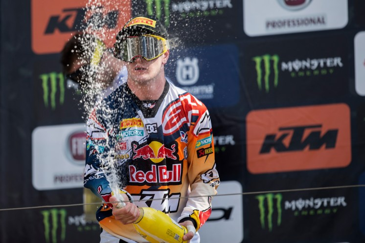 147428_Jeffrey_Herlings_Podium_Mantova_2016