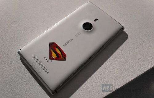 Nokia Lumia 925 รุ่น Superman กำลังจะมา