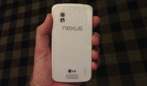 LG Nexus 4 สีขาว ไม่แค่ขาวนอก สิ่งพิเศษคือข้างใน