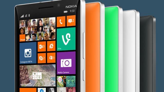 Nokia Lumia 930 มีปัญหาอาการหน้าจออมม่วง แต่แก้ไขได้เอง!!