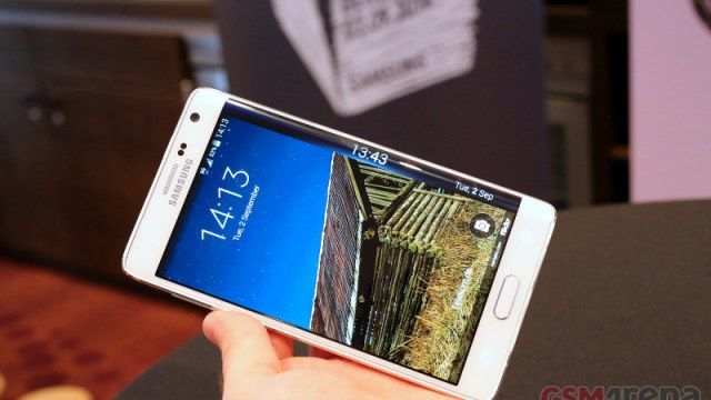 สุดเซอร์ไพรซ์ Samsung Galaxy Note Edge โทรศัพท์ 2 หน้าจอในเครื่องเดียว!!