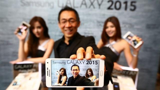 """ซัมซุงจัดทัพไลน์อัพสมาร์ทโฟนใหม่ ส่ง """"ซัมซุง กาแลคซี่ เอ ซีรีส์"""" สวย เก่ง คุ้ม ลุยตลาดกลาง"""