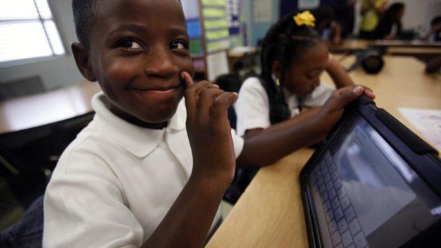 โรงเรียนเขต Los Angeles ยกเลิกโครงการแจก iPad ให้กับนักเรียนทุกคน