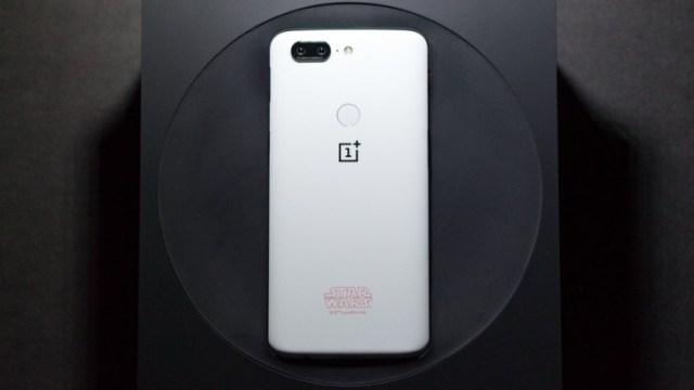 ไม่หลุดธีม! OnePlus เตรียมนำชื่อลูกค้า OnePlus 5T Star Wars Limited Edition จำนวน 37 คนแรกไปตั้งชื่อดวงดาว