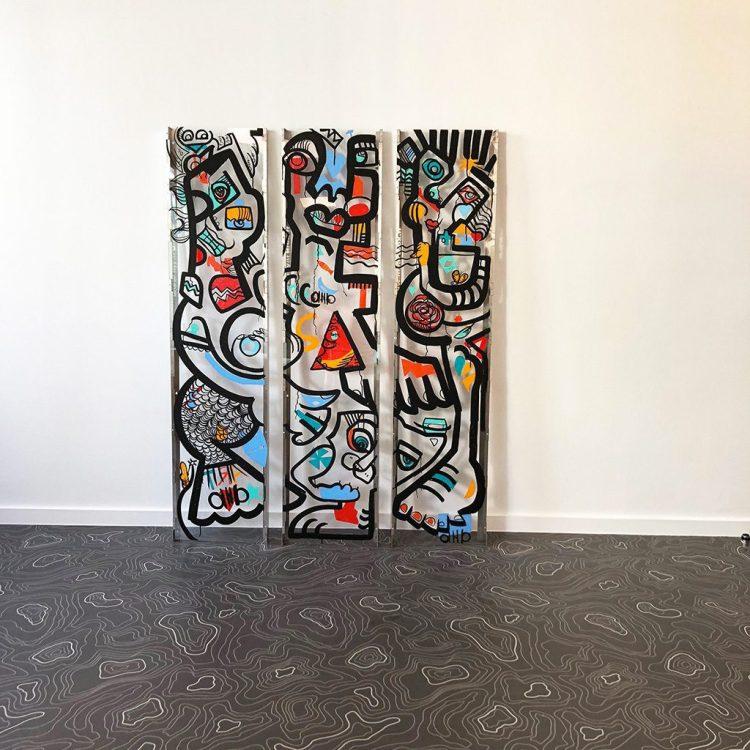 triptyque haut adhésifs colorés sur plexi ré-haussés à l'encre noire
