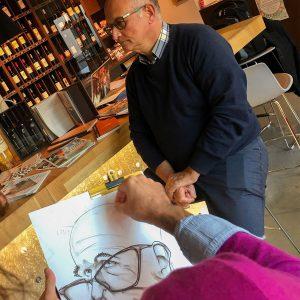 Caricature Lyon : un artiste caricaturiste réalise le dessin noir et blanc format A3 en direct en face de son modèle à Lyon