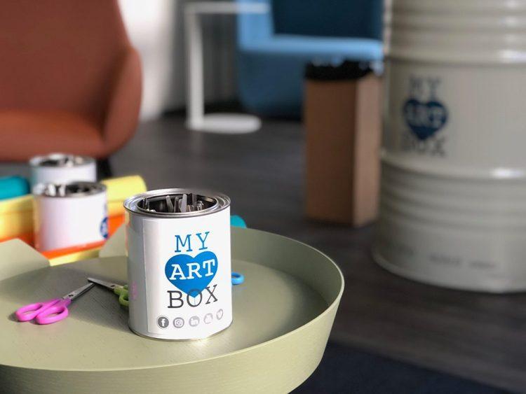 Un atelier créatif installé dans une salle de créativité à Paris Ile de France est une innovation managériale