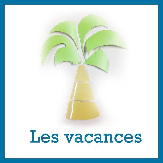 palmier avec feuilles vertes et tronc beige découpés dans adhésifs colorés découpés et posés sur fond blanc au dessus du texte Les vacances