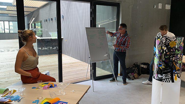 coaching en entreprise à lyon er Rhône Alpes Auvergne et dans toute la France suivant protocole exclusif My Art Box par aNa artiste