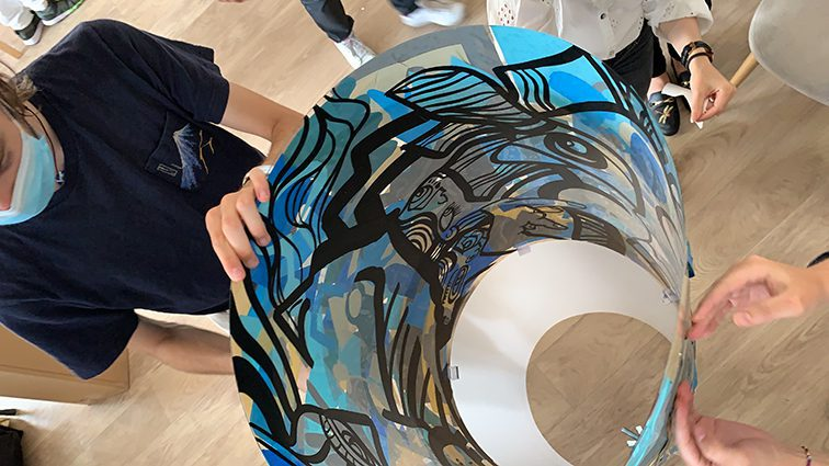 Team Building Fresque Plexi Idée de team building original à faire à Lyon pour cohésion d'équipe et brainstorming