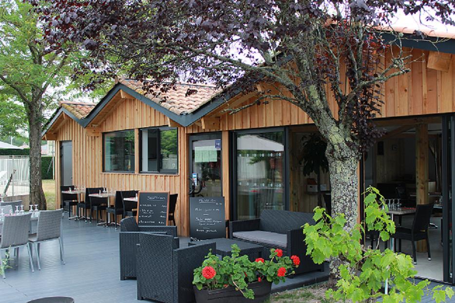 Restaurant au camping La Prairie à Lège