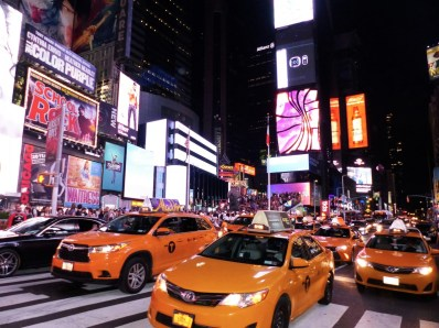 travel-diary-new-york-times-square