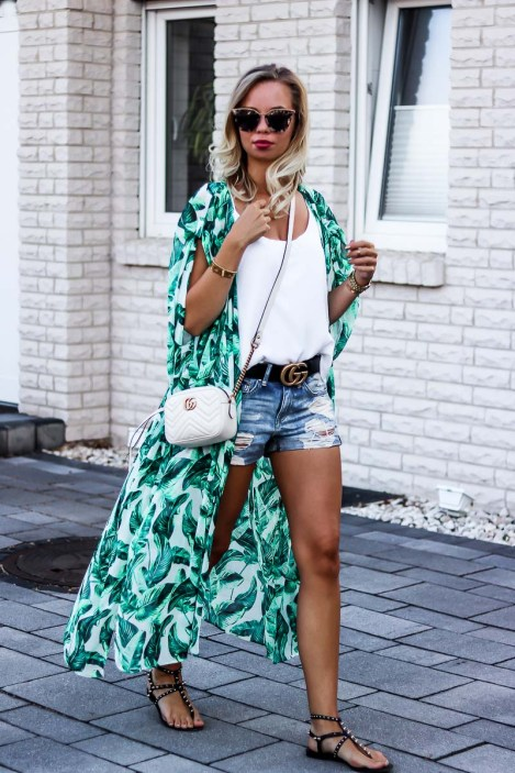 What to wear this summer: Kimono with Shorts