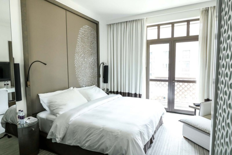 Vida Downtown Dubai guest room king bed