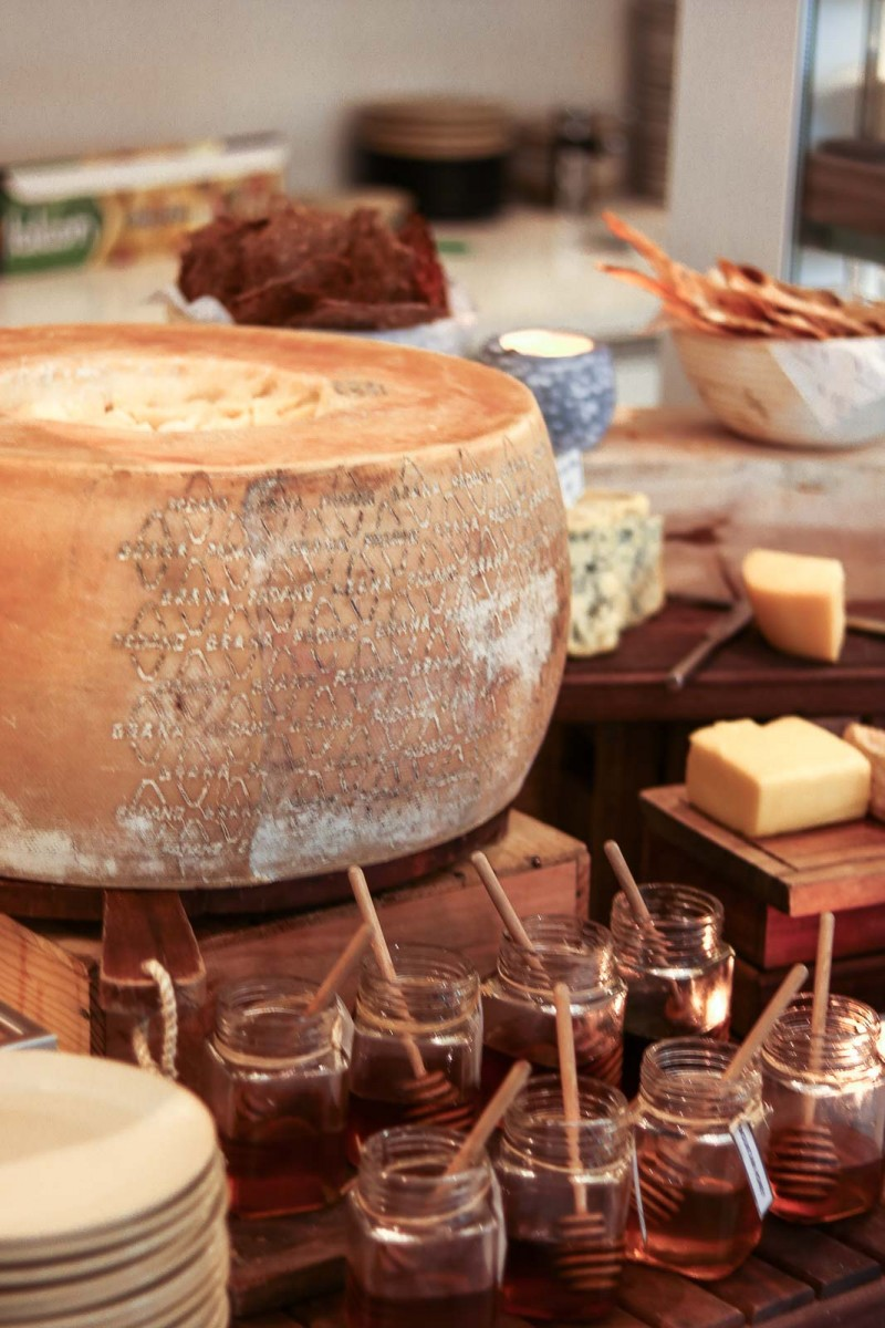 Vida Downtown Dubai cheese and honey