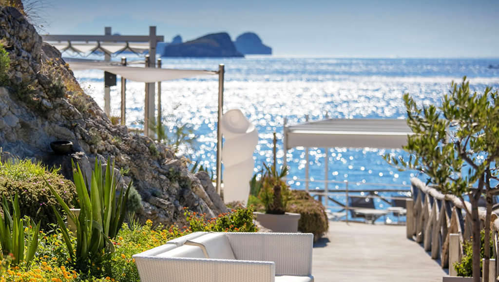 Relax and nature at Conca del Sogno Beach Club, Amalfi Coast