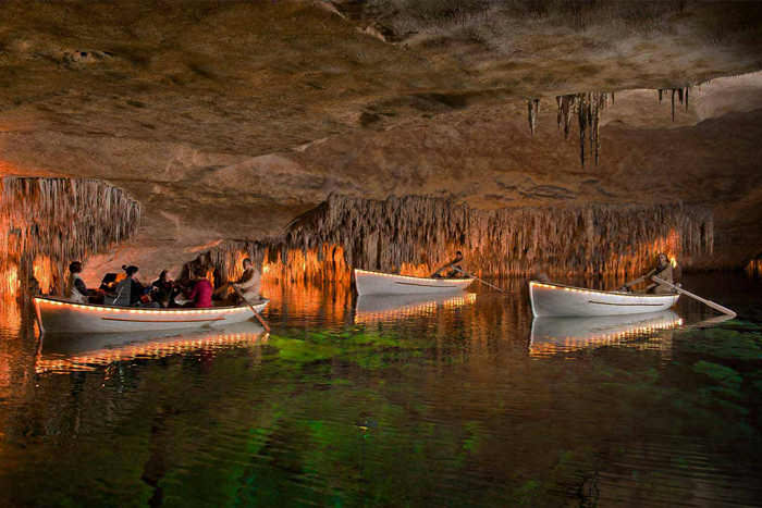 A BOAT TRIP UNDERGROUND? WELCOME TO THE DRAGON CAVES IN MAJORCA