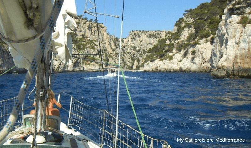 location voilier habitable sun way 29 avec ou sans skipper var six fours les plages cabotage ile des embiez navigation sous voile dans les calanques