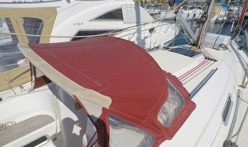 location voilier Bavaria 32 holiday habitables var avec ou sans skipper croisiere balade en mer promenade en bateau