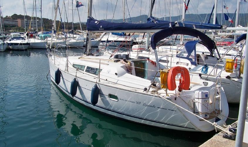 location-voilier-sun-odyssey-32i-my-sail-croisiere-a-la-carte-balade-avec-sans-skipper-var-provence-cote-azur-mediterranee-2