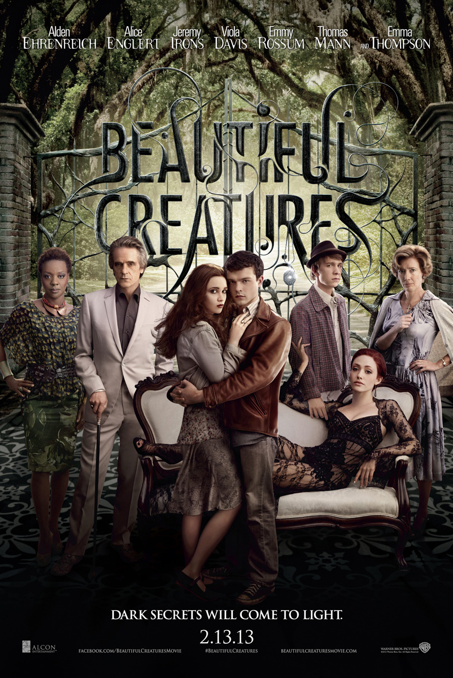 """Theatrical poster for """"Beautiful Creatures"""", featuring the main cast."""