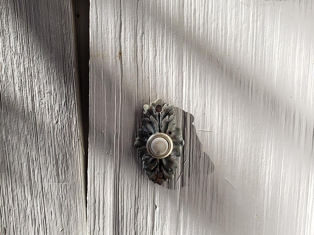 old 1980's door bell