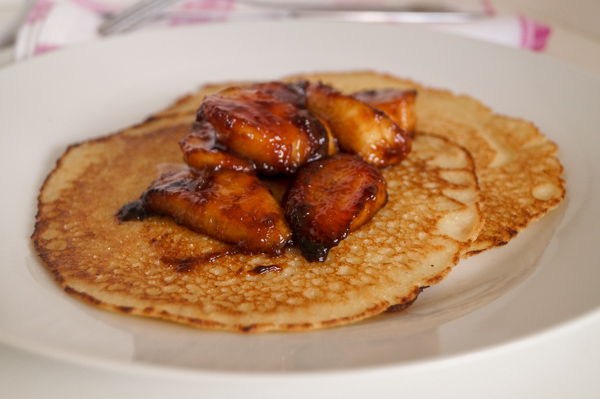 SEMOLINA PANCAKE WITH CARAMELISED BANANA.