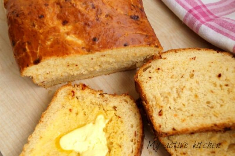 image of bread with pink napkin