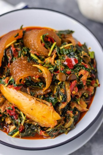 efo riro in a bowl.