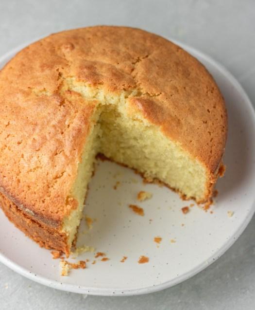 Easy Vanilla Sponge Cake Recipe - My Active Kitchen