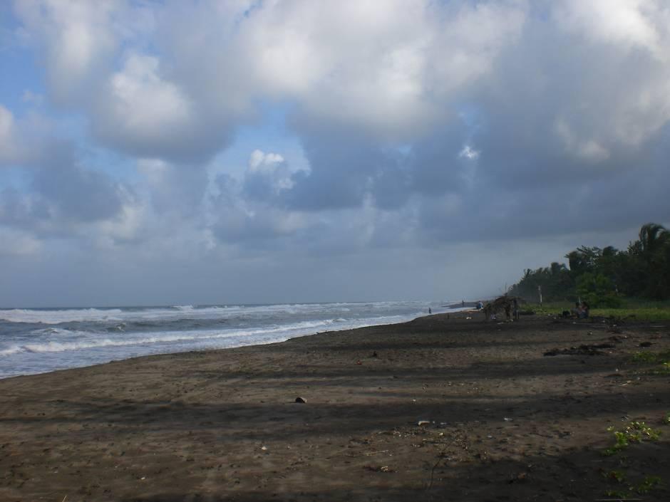 Costa Rica attractions: the beach in Tortuguero
